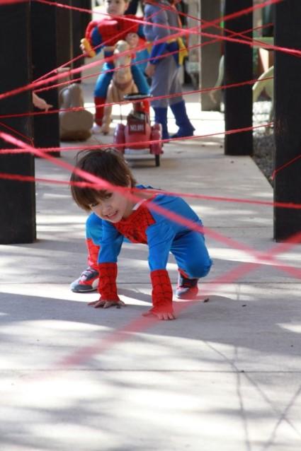 Festa a tema Spiderman, idee per giochi: muoversi tra i fili di una ragnatela