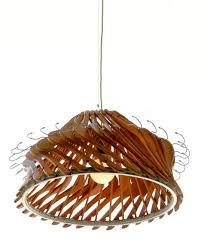 lampadario stampelle legno